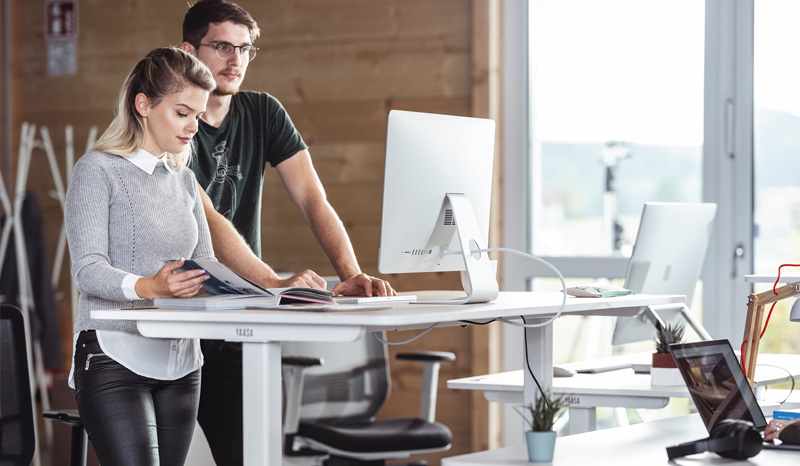 Working on a height adjustable desk reduces back pain and the risk of other illnesses.