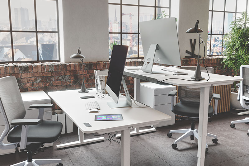 Yaasa desks for Co-Woring and Home-Office