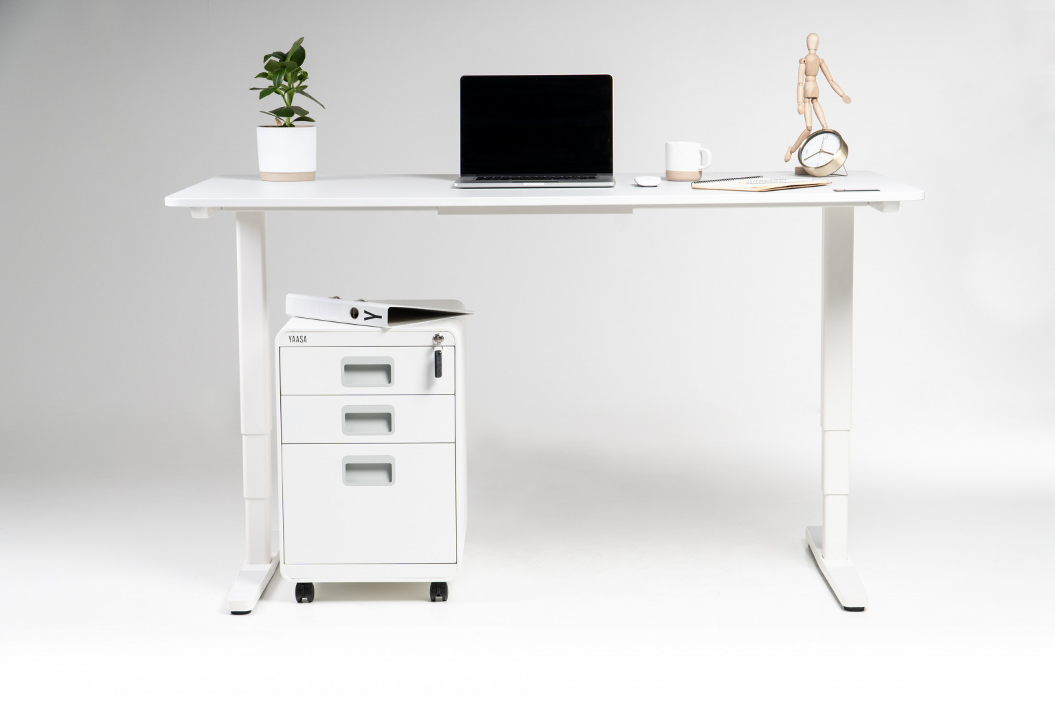 The Yaasa File Cabinet fits into every Home Office or Office Space due to its modern and clean Design.